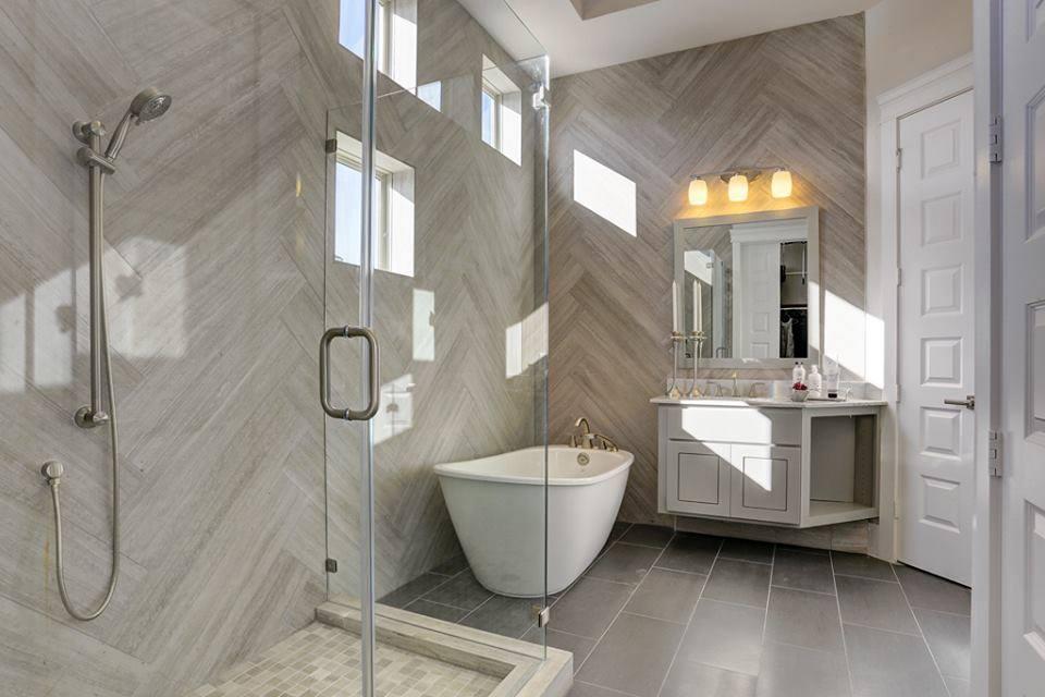 DWH Bathroom 1